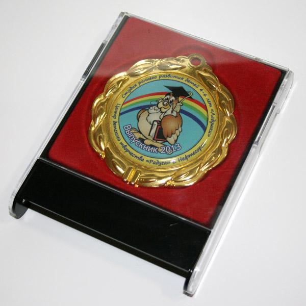 Футляр для медали универсальный. Красный-черный